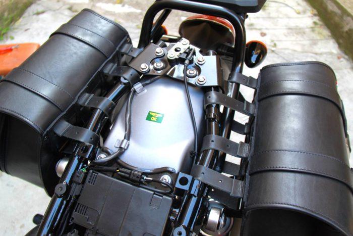 Triumph T120 fissaggio-2